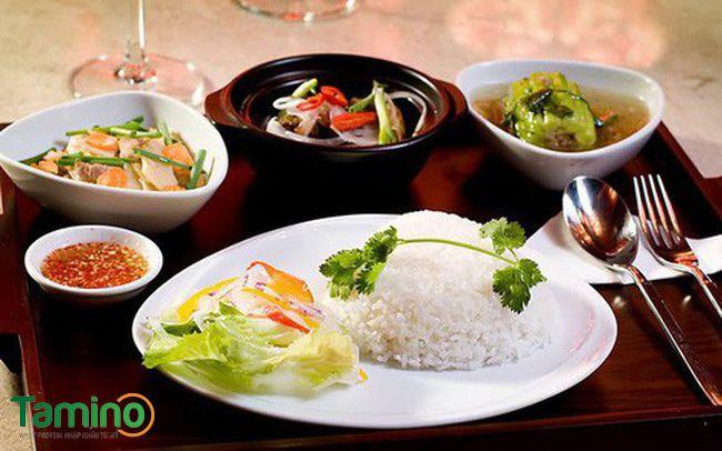 2 – 3 chén cơm trong bữa ăn chính