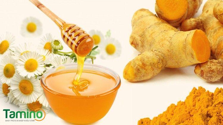 Cách uống tinh bột nghệ với mật ong tăng cân
